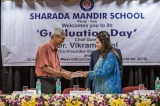 The Vice Chairperson, Mrs. Dipti Salgaocar, presenting a memento to the Chief Guest
